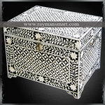 BNBX-043 A RECTANGULAR BONE FLORAL INLAY BOX