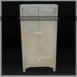 WMAL-039 A ROYAL LOOK WHITE METAL CABINET